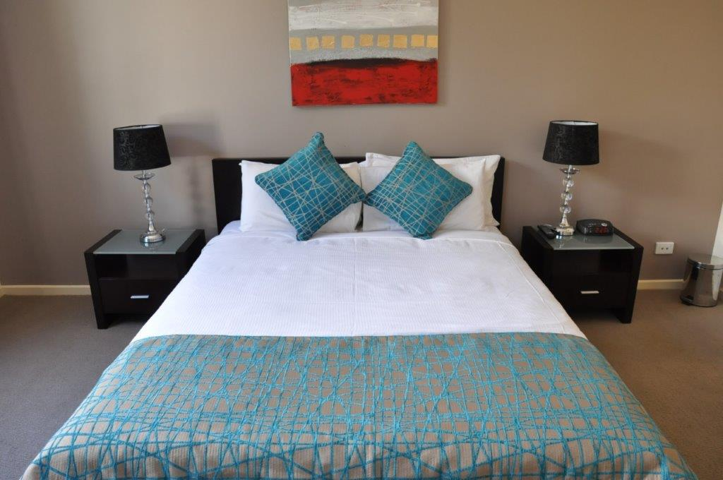 3 Bedroom Serviced Apartments Adelaide - Large Group Stays ...
